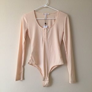 💗NWT💗 BCBGENERATION Button Down Ribbed Bodysuit